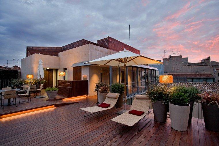 decoracion exteriores terrazas tumbonas macetas ideas