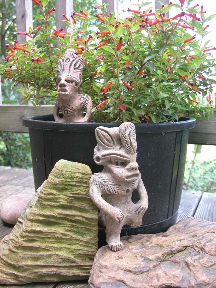 decoracion de terrazas y jardines rocas minimas macetas