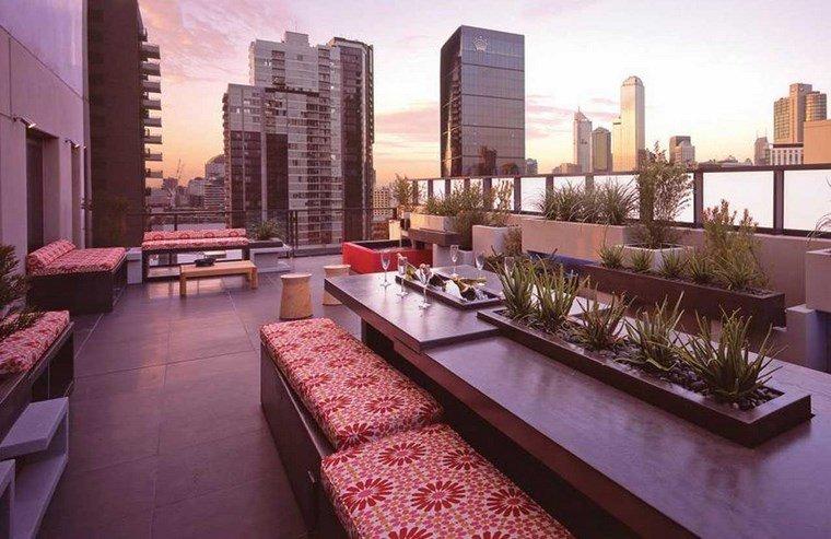 decoracion terrazas mesa plantas centro ideas