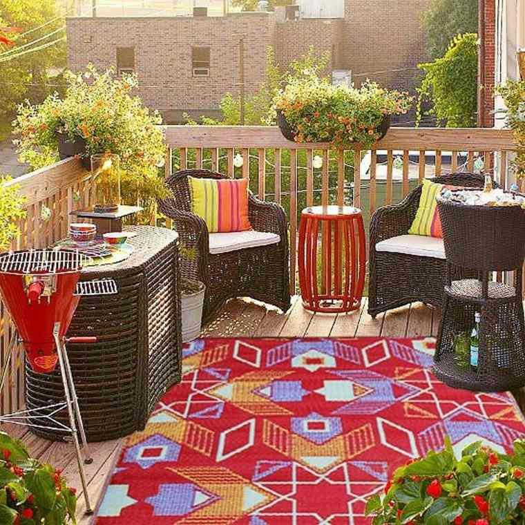 decoracion terrazas pequeñas alfombra estampa geometrica ideas