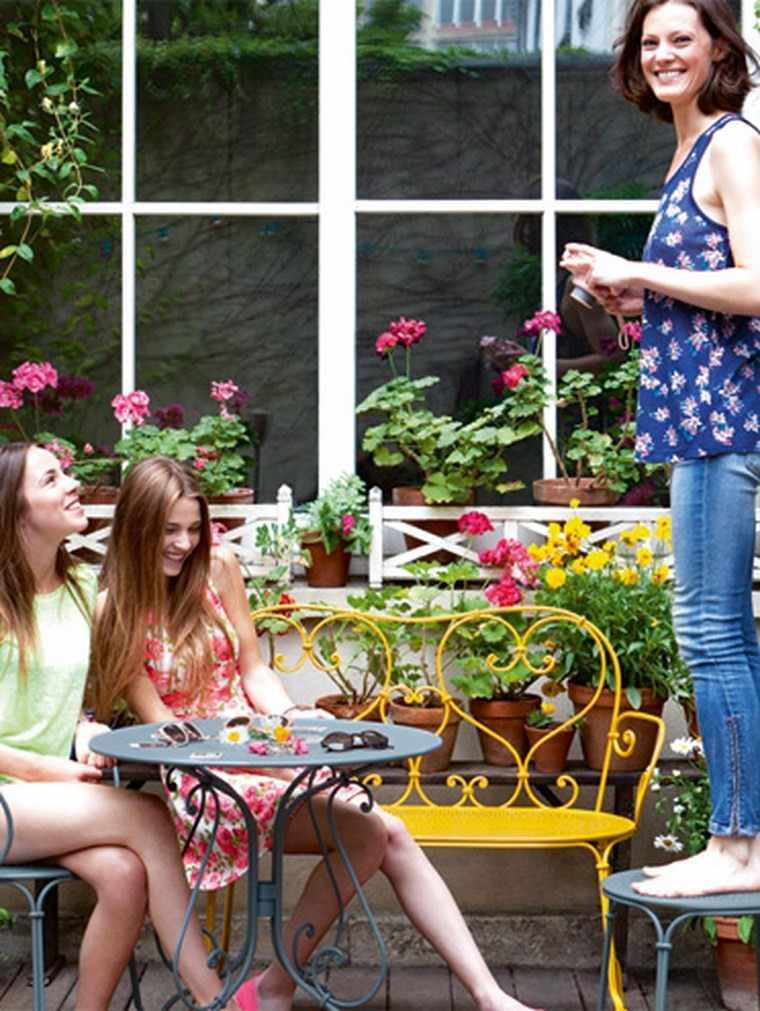 decoracion terraza pequeñas muebles colores vivos ideas