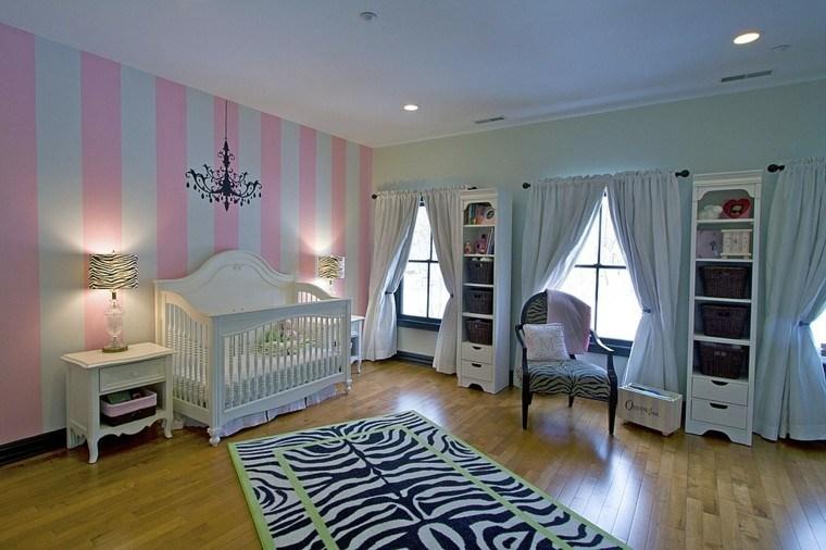 decora habitacion bebe pared rayas rosa blanco ideas