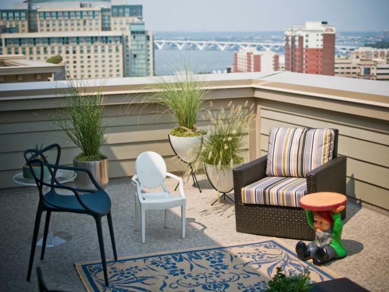 decorar terrazas urbanas plantas jardines enanos blanco