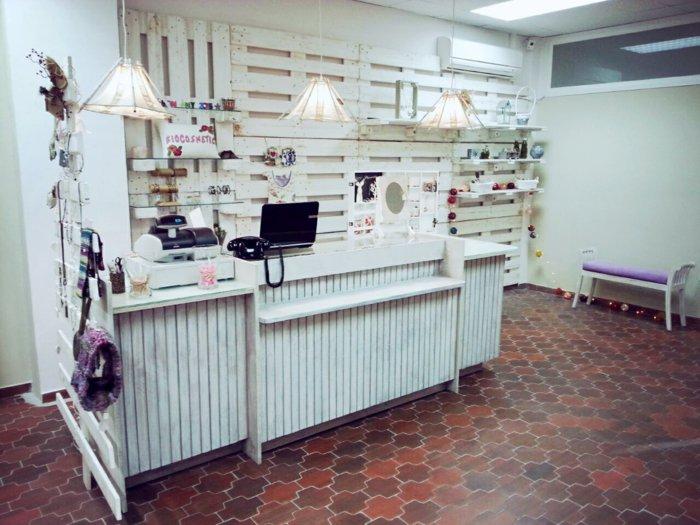 mostrador tienda decoración pallet
