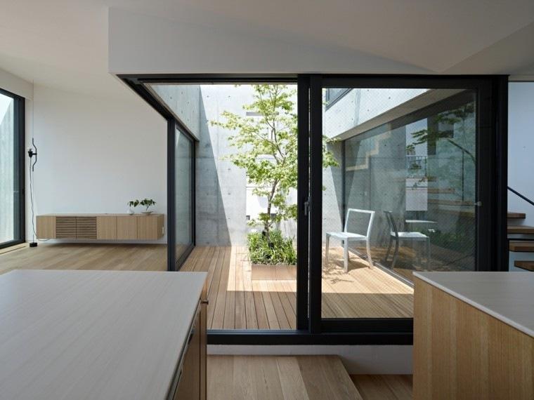 diseño patio interior madera terraza
