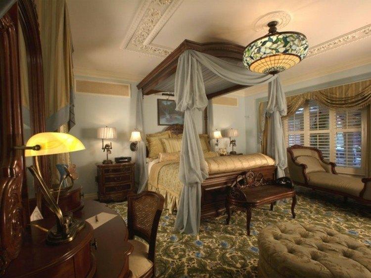 dormitorio estilo regio cama dosel