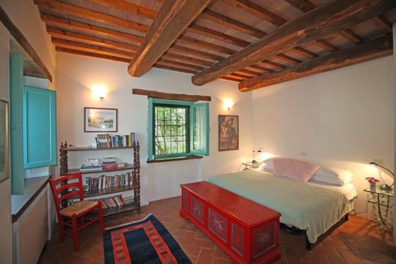dormitorio etnico techo madera natural