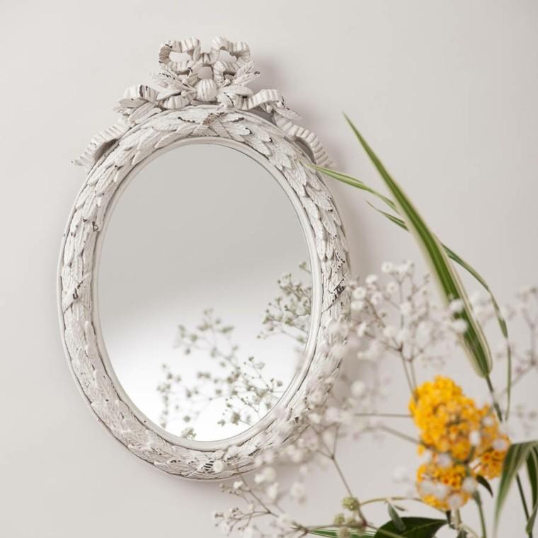 espejo ovalado estilo shabby chic