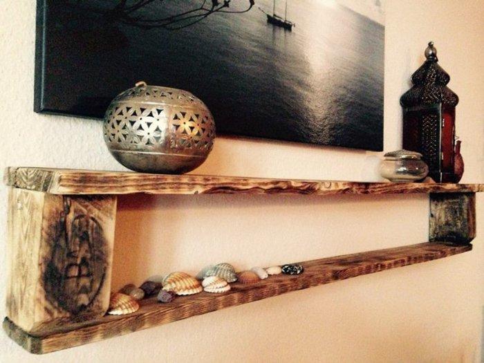 estante pallet decorado conchas