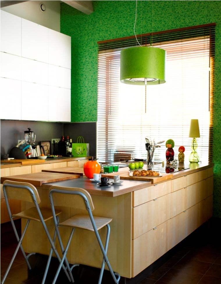 cocina pequieña coor verde