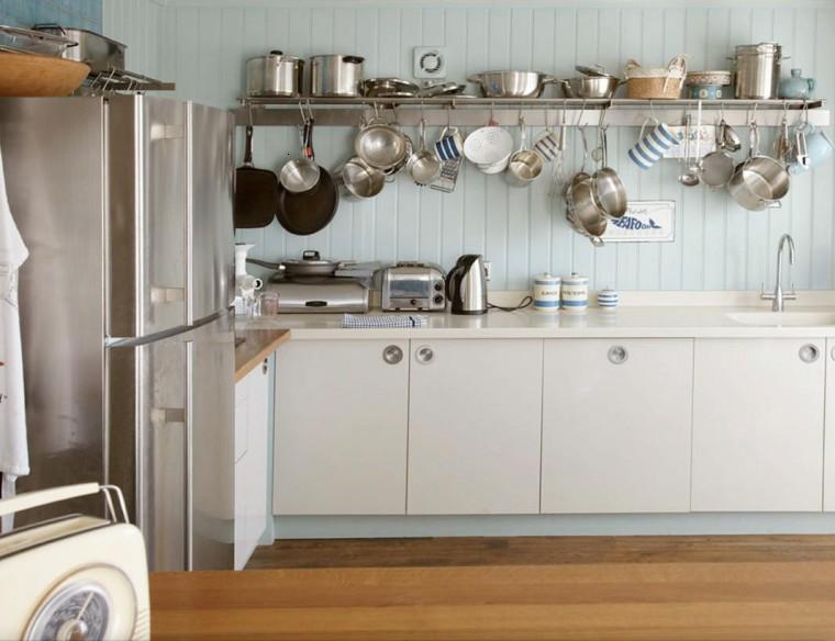 Decoraci n de cocinas chicas ideas para ahorrar espacio - Objetos decoracion cocina ...