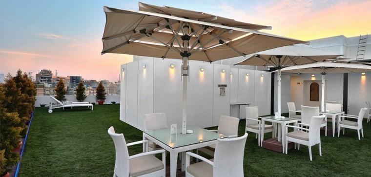 estupendo diseño terraza cesped muebles