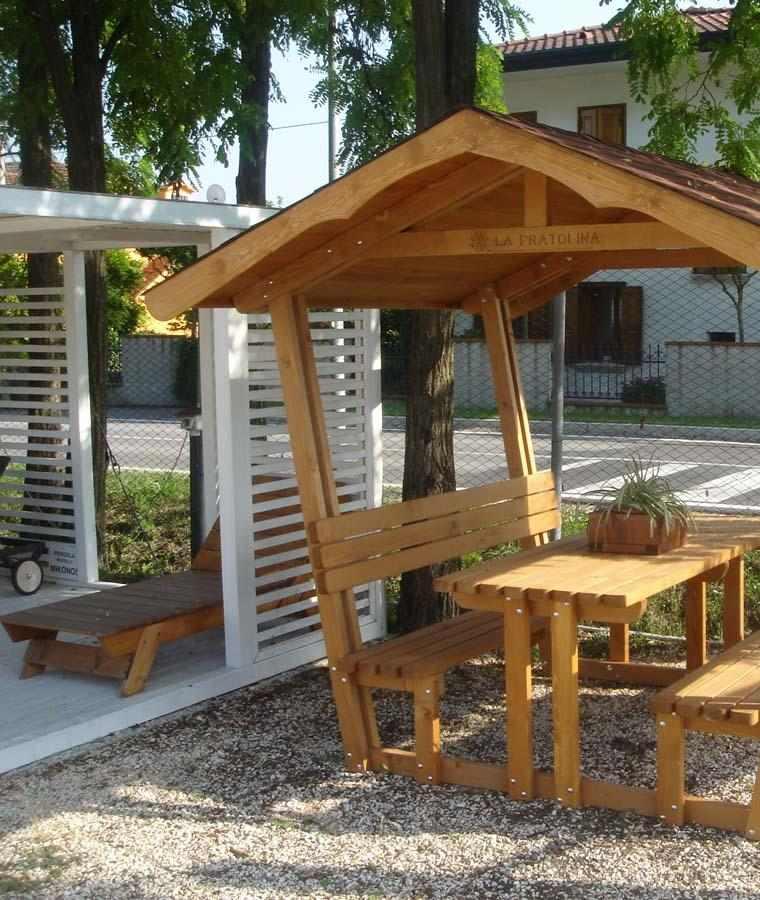 gazebo madera jardin banco