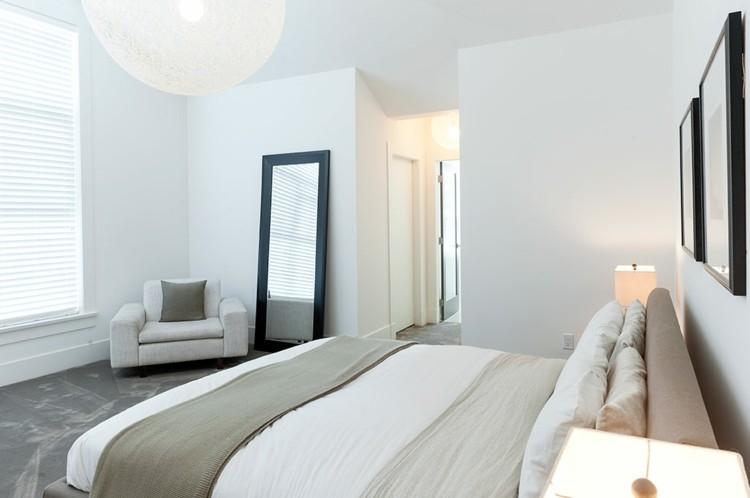 habitacion moderna sillon espejo