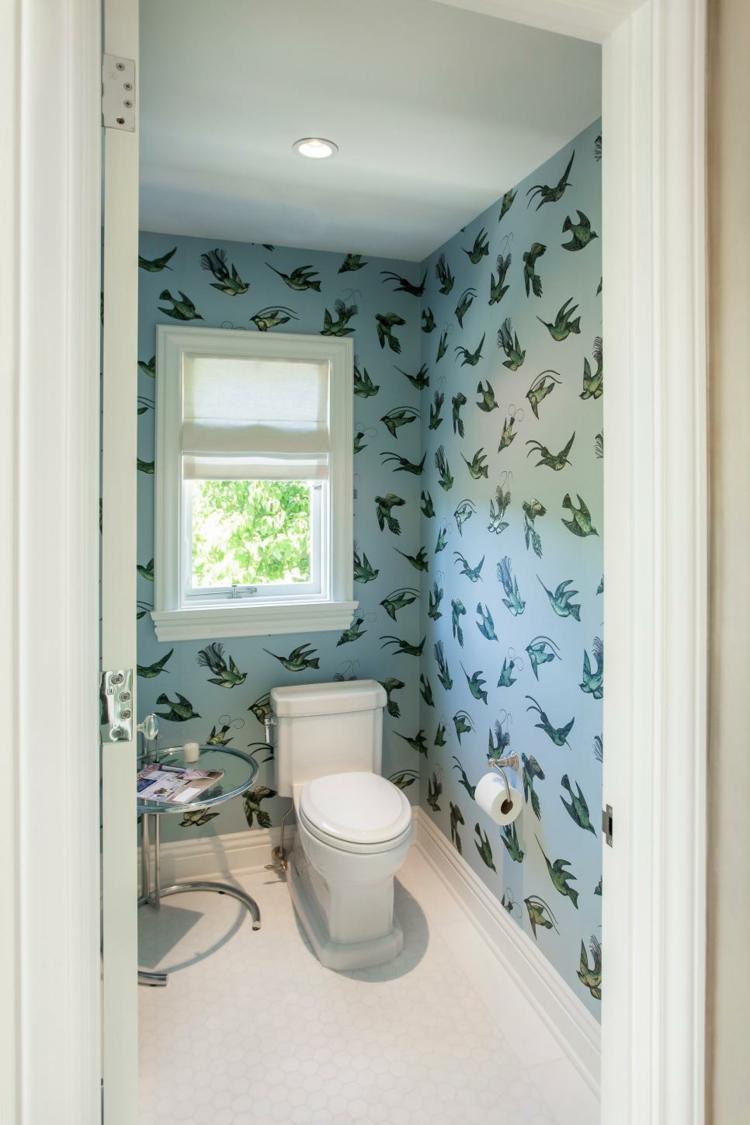 ideas de como decorar un baño pequeño led pajaros azules