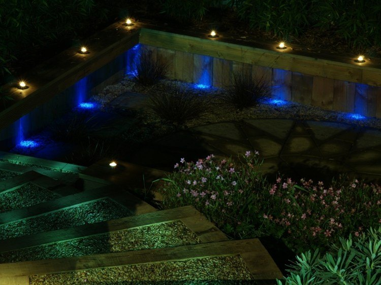 jardines bombillas led ideas azules maderas