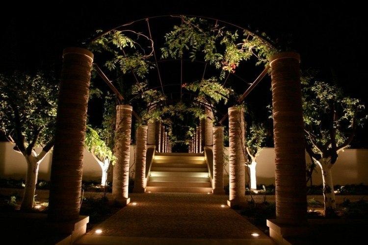 jardines bombillas led ideas plantas arcos escalones
