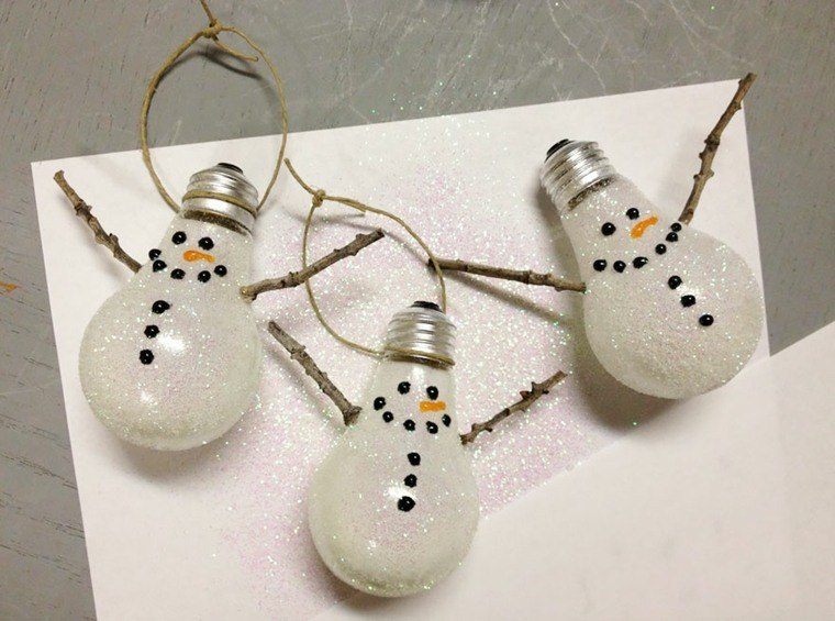 manualidades en casa bombillas purpurina munecos nieve ideas