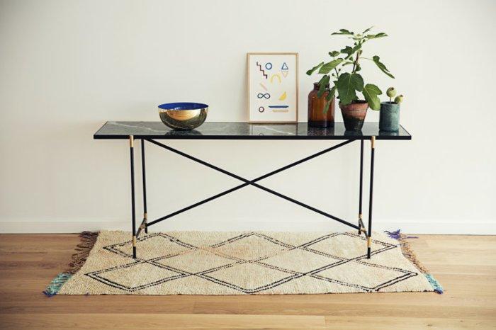 mobiliario diseño puestos interiores cuadros