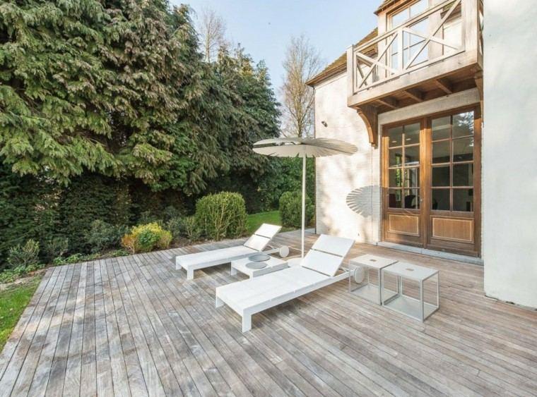 muebles jardin terraza tumbonas sombrilla ideas