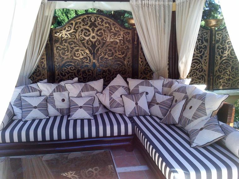 Telas para terrazas 50 acolchados y tapizados para exterior - Como hacer cojines para sillas ...