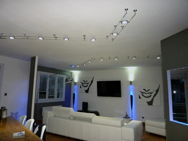 Focos led indirectos para iluminar el sal n 50 ideas - Luces led para salon ...