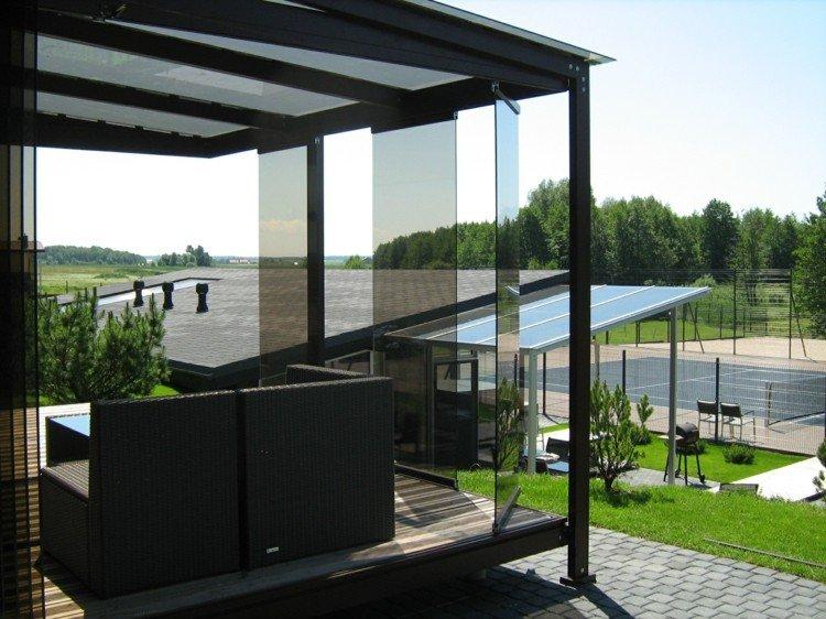 original diseño terraza acristalada negra