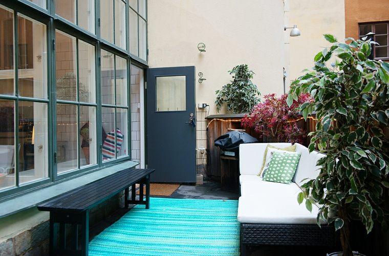 patio terraza banco color negro