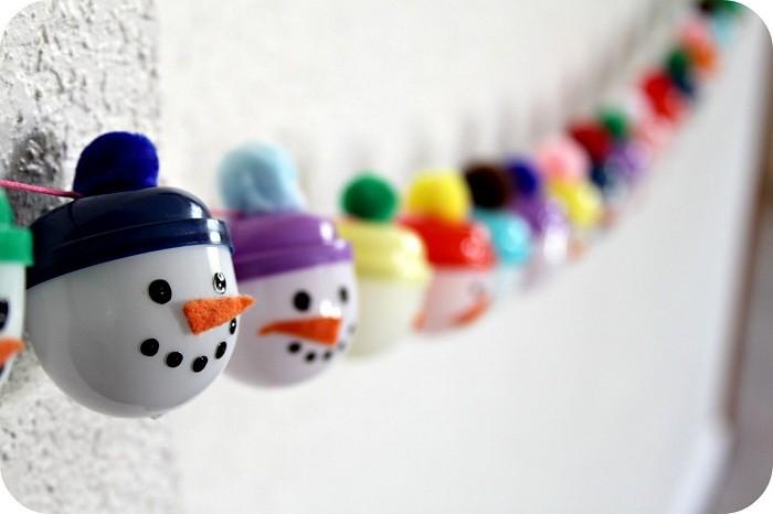 pequeños nieve muñecos cabezas colorido