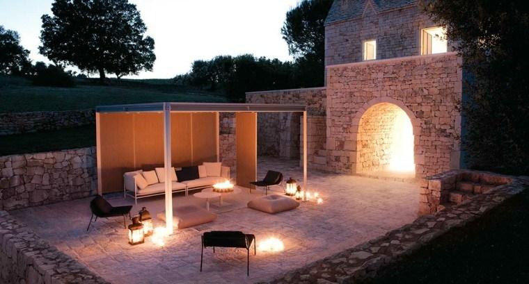 pergola jardin sofa blanca sillones negros ideas