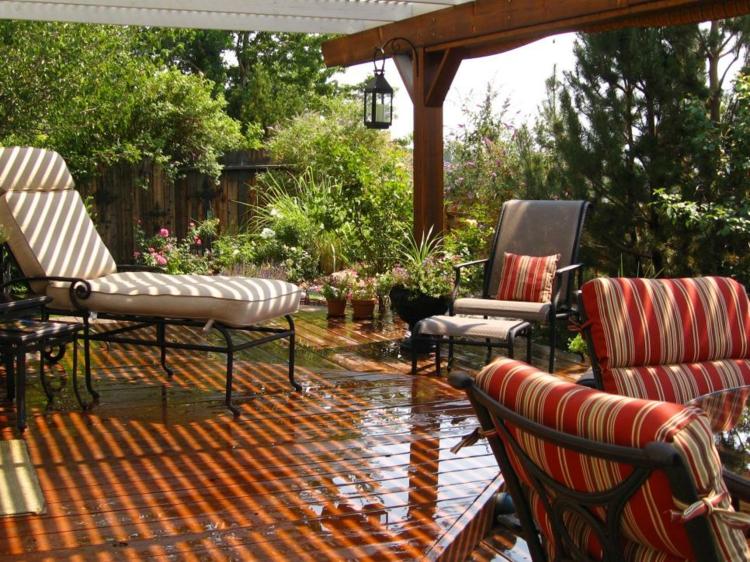 Pergolas de madera 50 creaciones perfectas para tu patio for Pergola jardin madera