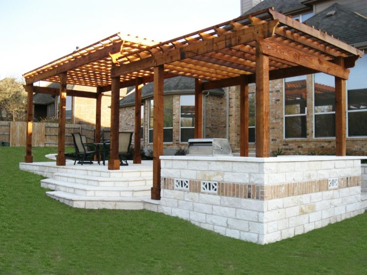 Pergolas de madera 50 creaciones perfectas para tu patio for Sillones de patio