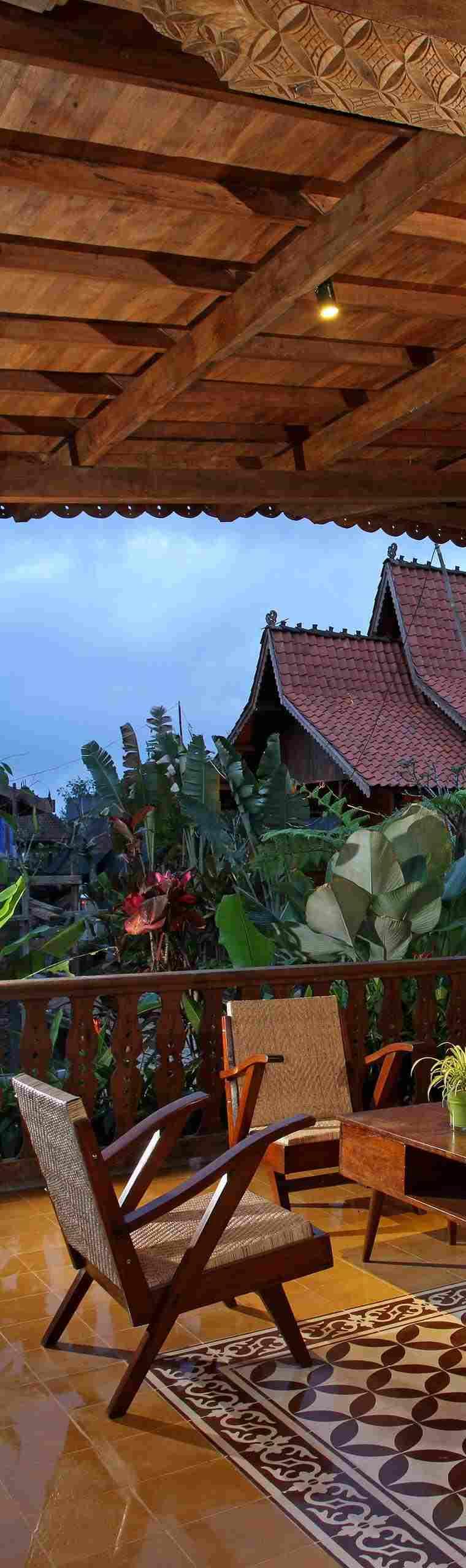 cubierta terraza madera tallada