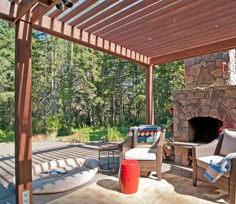 Terrazas de madera pequea terraza con estar pared con for Terraza de madera exterior