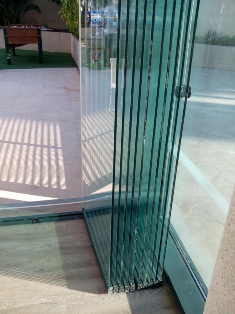 puertas correderas vidrio terraza balcón