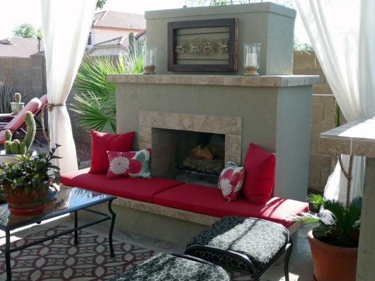 salones sillas rosa pintada chimeneas velas
