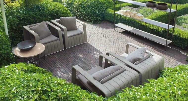 sillas comodas mesa madera jardin ideas