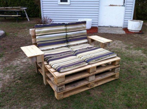 sillón dos plazas mesilla