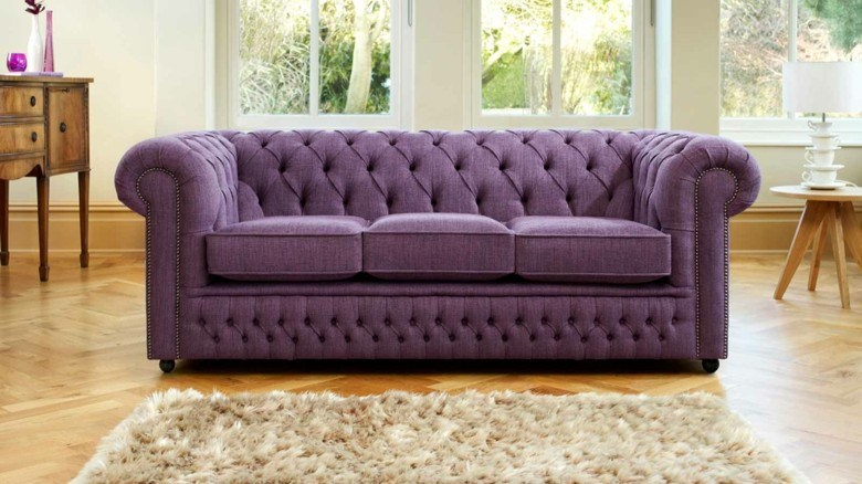 sofa Chester color morado