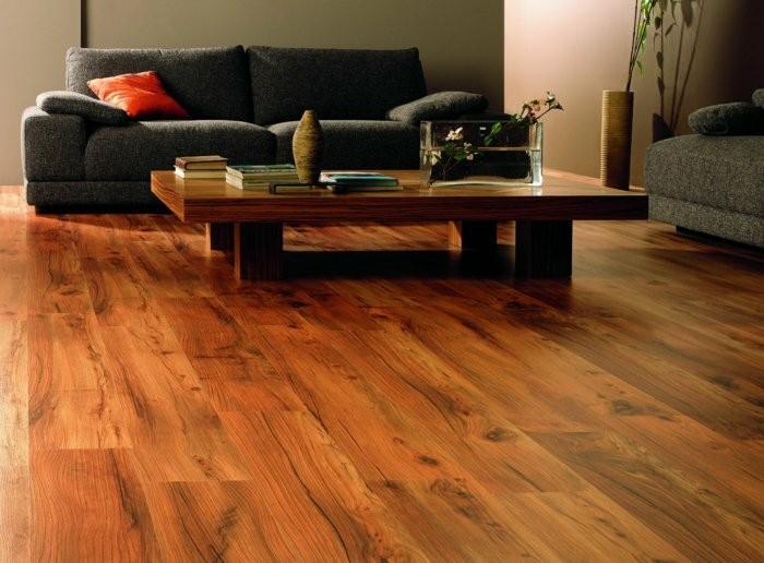 suelo madera laminada acabado natural