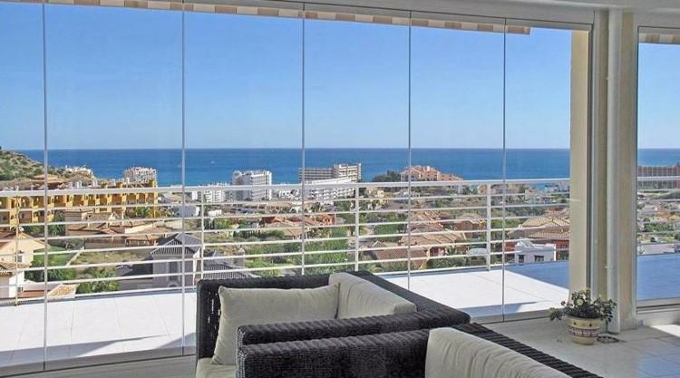 Cerrar terrazas ideas para acristalar balcones a la moda for Decoracion de la pared de la terraza