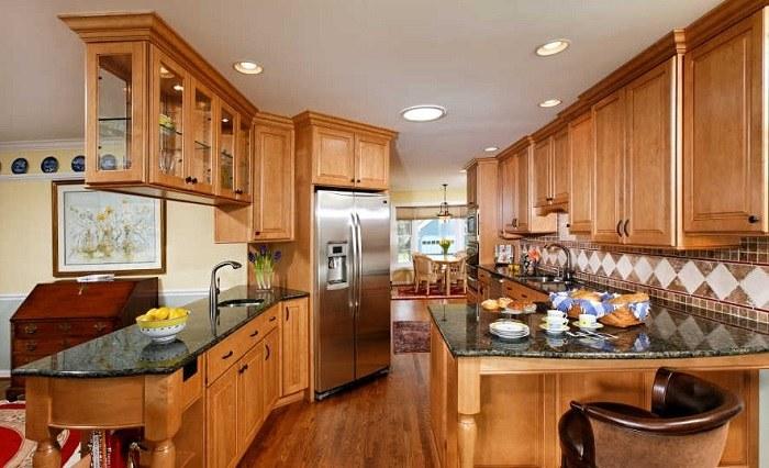 Cocinas mobiliario con estantes pendientes y tradicionales for Cocinas tradicionales