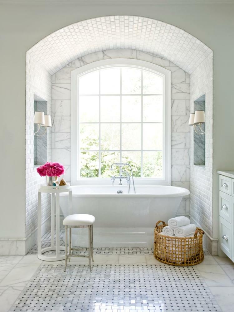 baños con bañeras ideas diseños luminosos rosa
