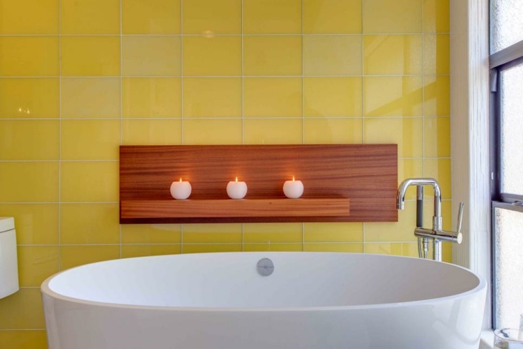 baños con bañeras ideas verticales estilos velas amarillo