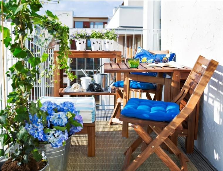 balcón terraza adornos azules