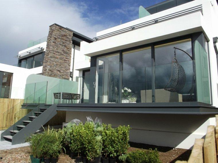 balcón acristalado diseño moderno