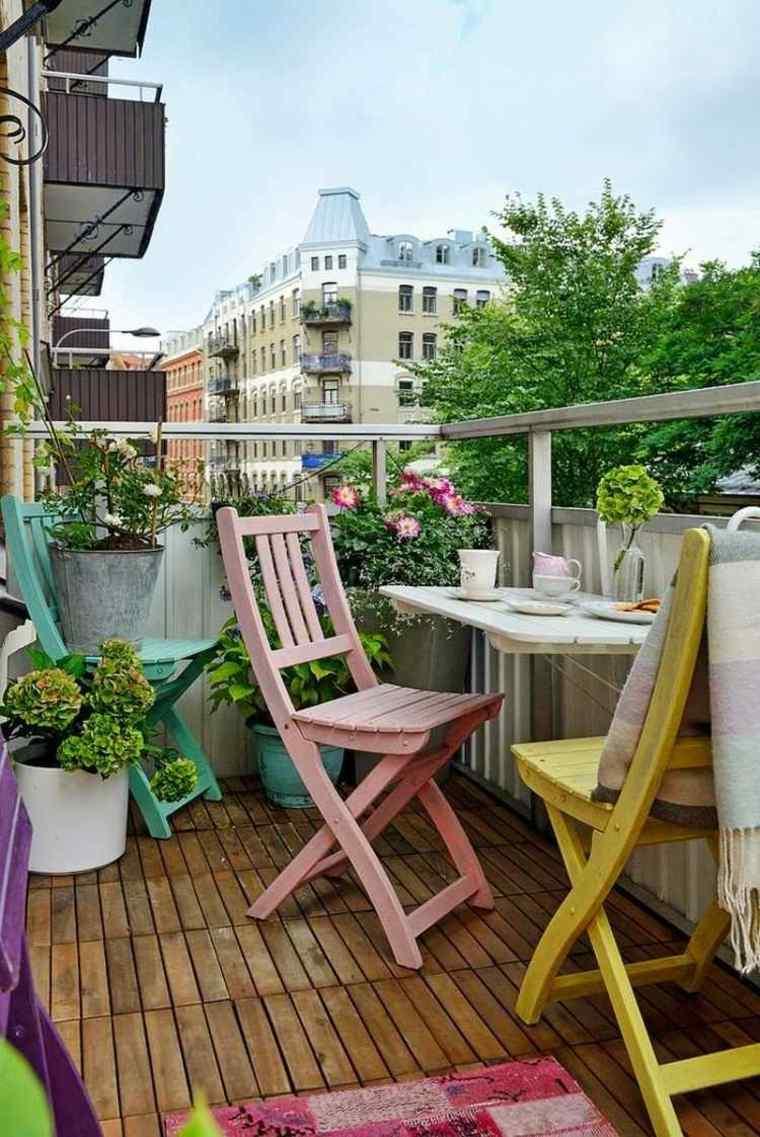 balcon pequeno muebles madera plantas ideas