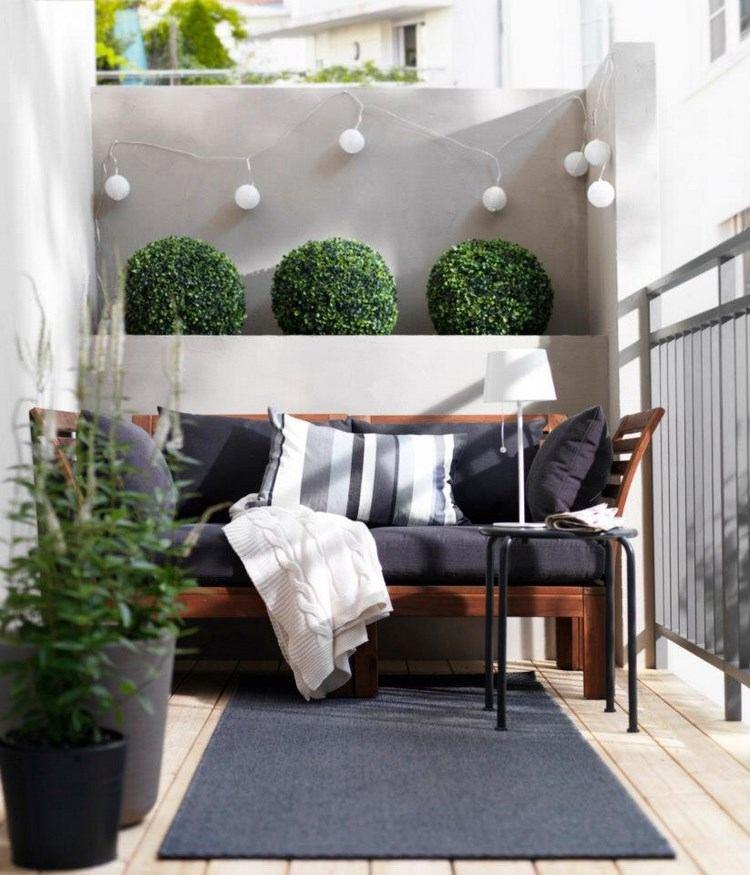 belleza balcon pequeno abetos alfombra negra ideas