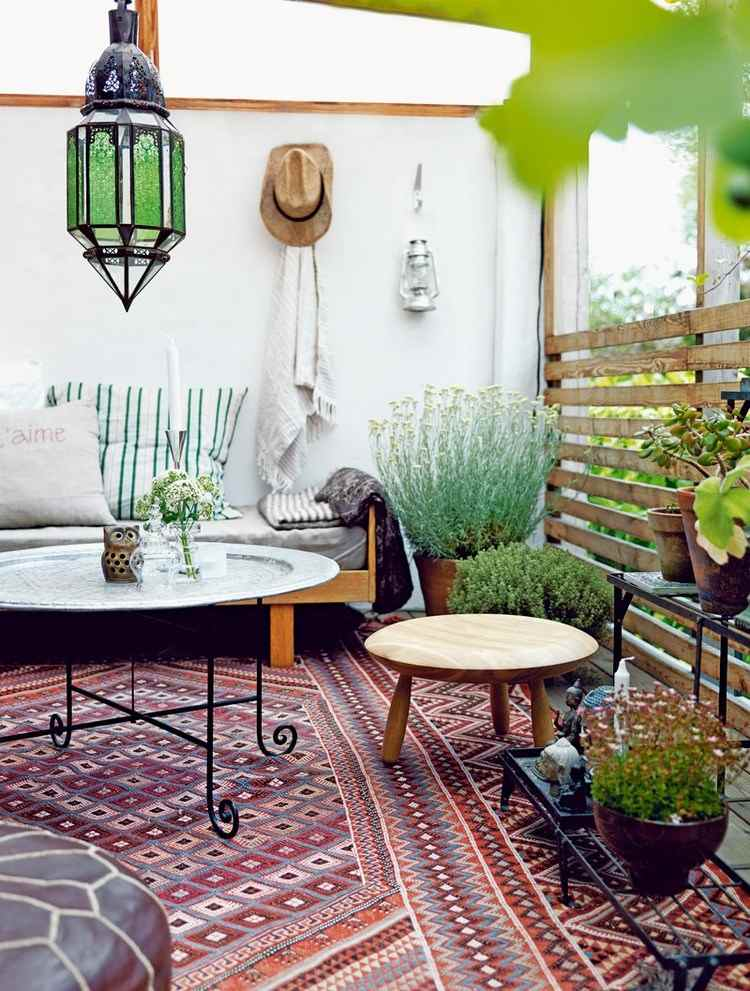 belleza balcon pequeno mesas redondas madera acero ideas