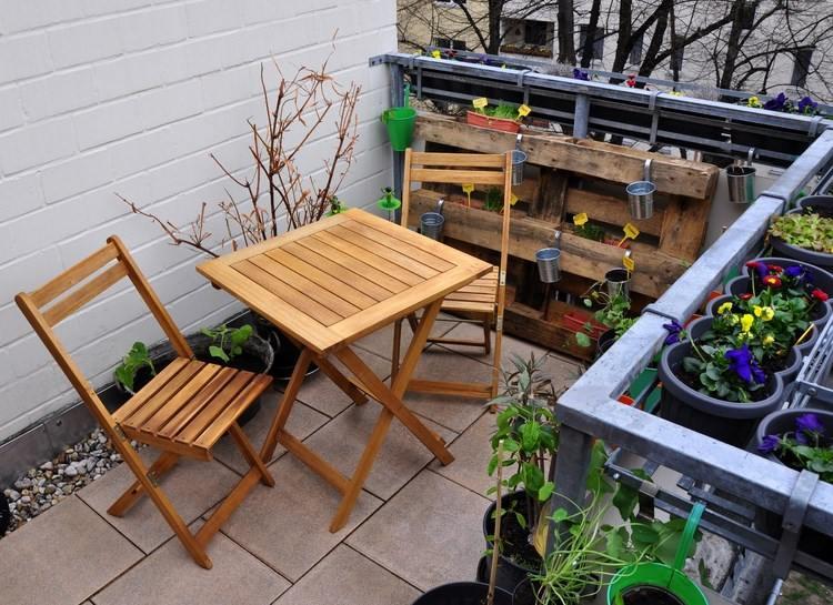 Muebles madera teca la madera de teca se usa en for Mobiliario balcon